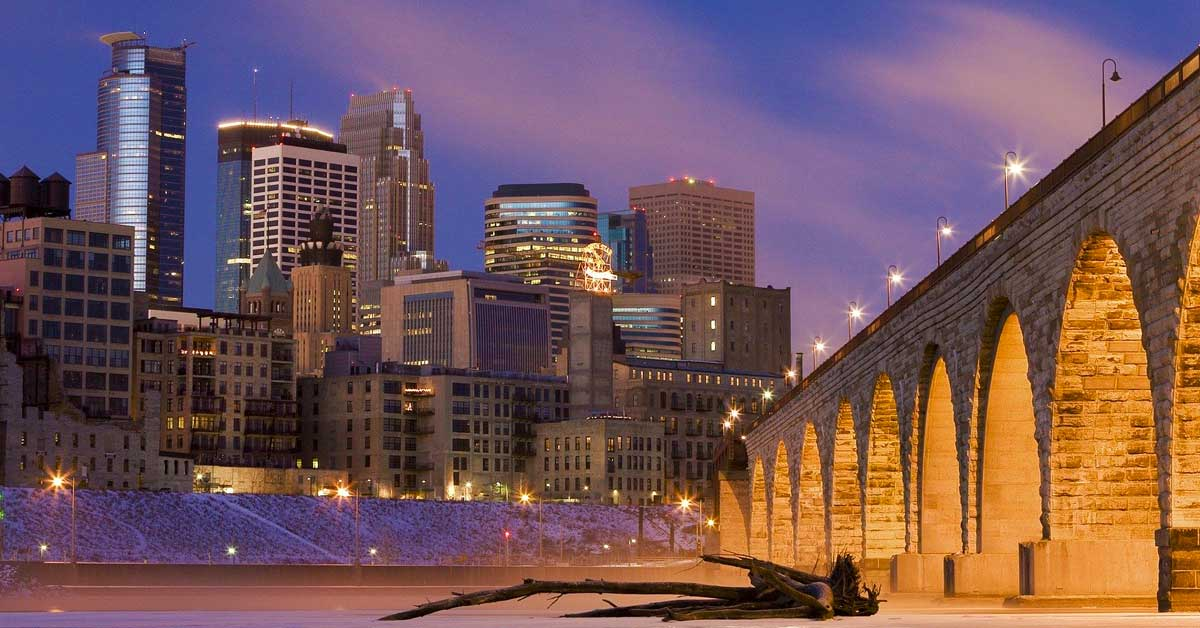Charter bus rentals Minneapolis Minnesota