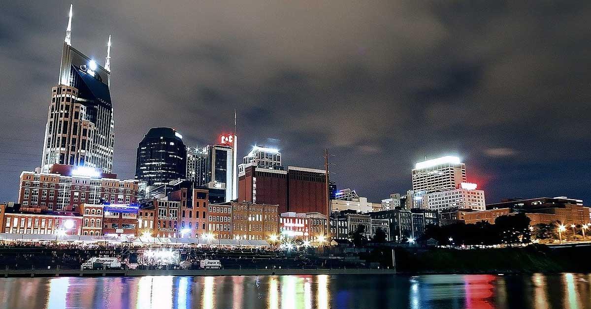 Charter bus rentals Nashville Tennessee