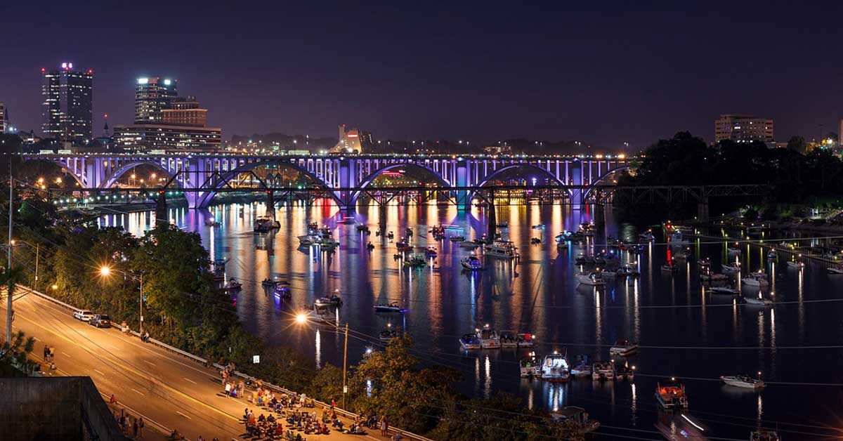 Charter bus rentals Knoxville Tennessee