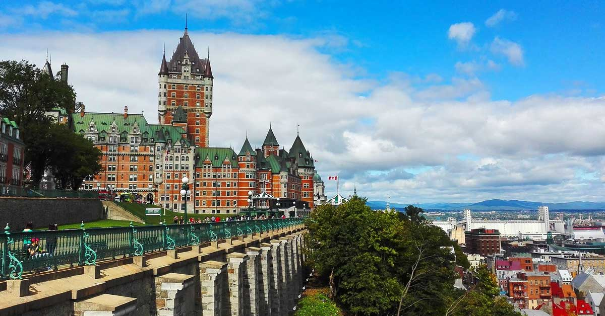 Charter bus rentals Quebec City