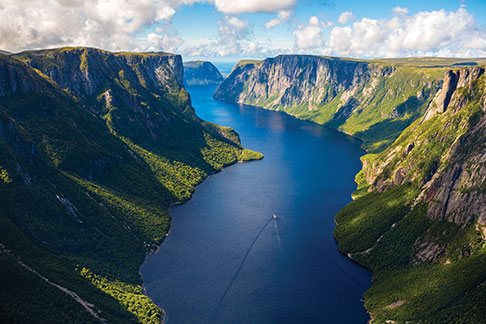 newfoundland labrador gros morne national park western brook pond 3